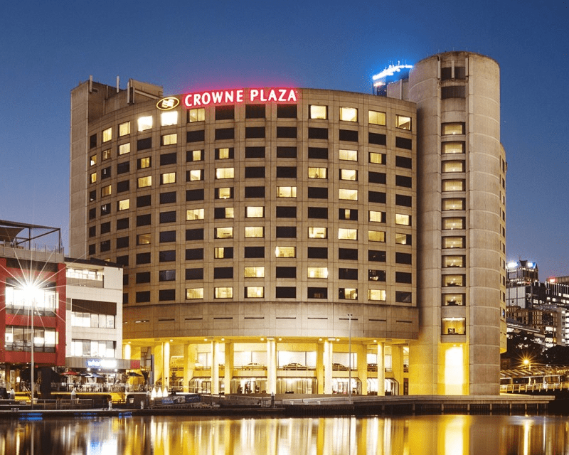 Hotels---Crowne-Plaza